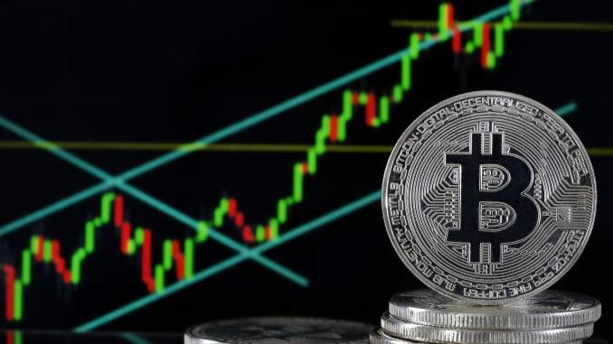 CEO của MicroStrategy so sánh việc vay tiền mua Bitcoin với đầu tư sớm vào Facebook