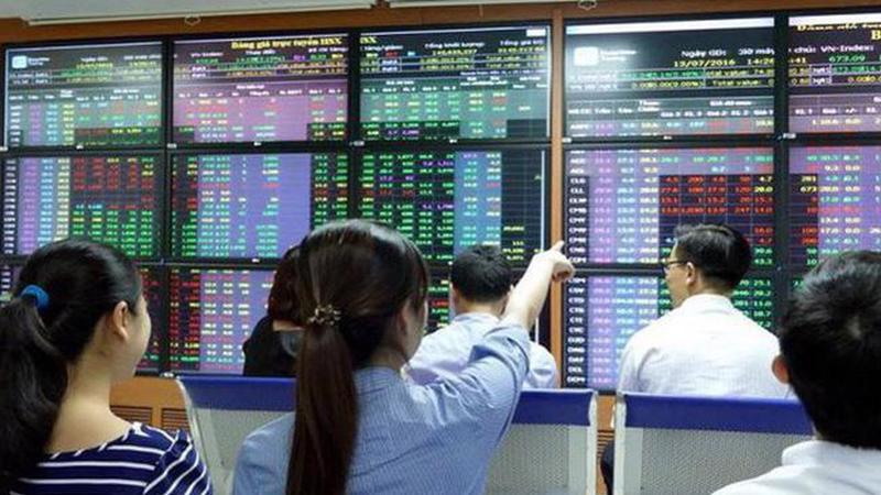 Nhà đầu tư chứng khoán kể chuyện 'lướt sóng tìm vàng' giữa mùa dịch bệnh