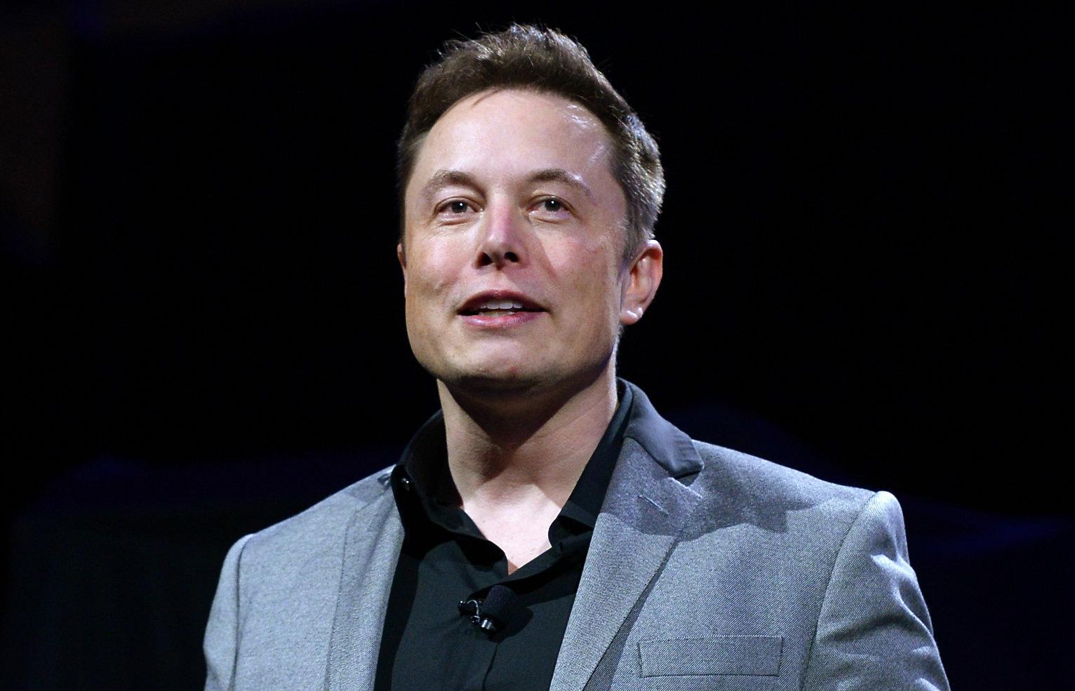 Elon Musk lên tiếng giữa thương chiến căng thẳng của Apple và Epic Games