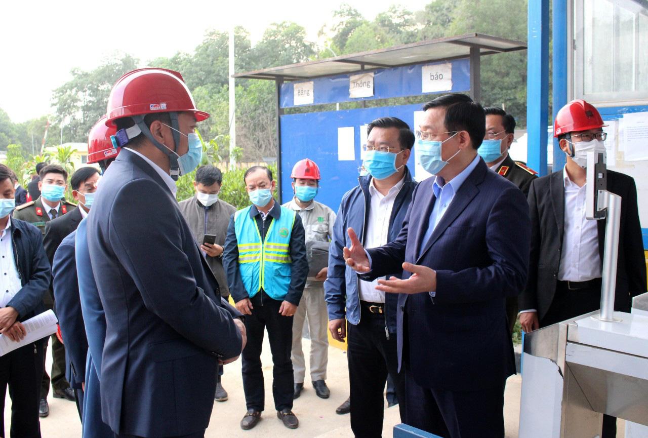 Bí thư Thành ủy Hà Nội Vương Đình Huệ kiểm tra đột xuất Khu Liên hợp xử lý rác thải Sóc Sơn - Ảnh 2.