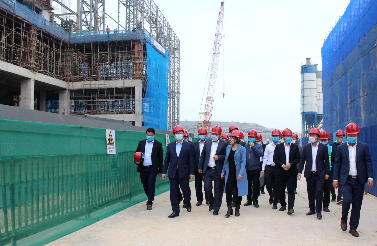 Bí thư Thành ủy Hà Nội Vương Đình Huệ kiểm tra đột xuất Khu Liên hợp xử lý rác thải Sóc Sơn - Ảnh 1.