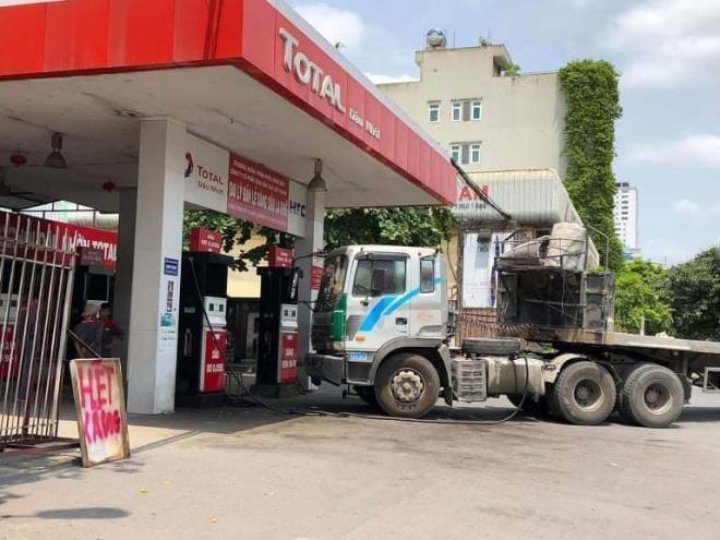 Lo nước ngoài thâu tóm hệ thống phân phối xăng dầu - 1