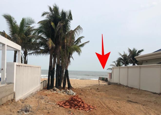 Lan Rừng Resort ngang nhiên lấn biển, đổ bê tông chặn đường ra biển của ngư dân - 3