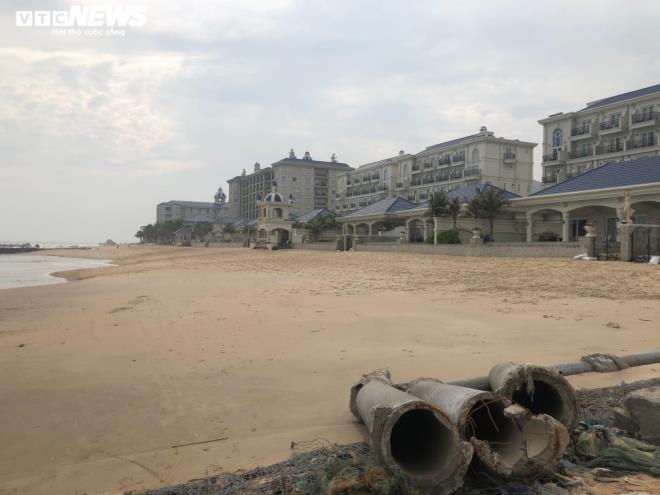 Lan Rừng Resort ngang nhiên lấn biển, đổ bê tông chặn đường ra biển của ngư dân - 1