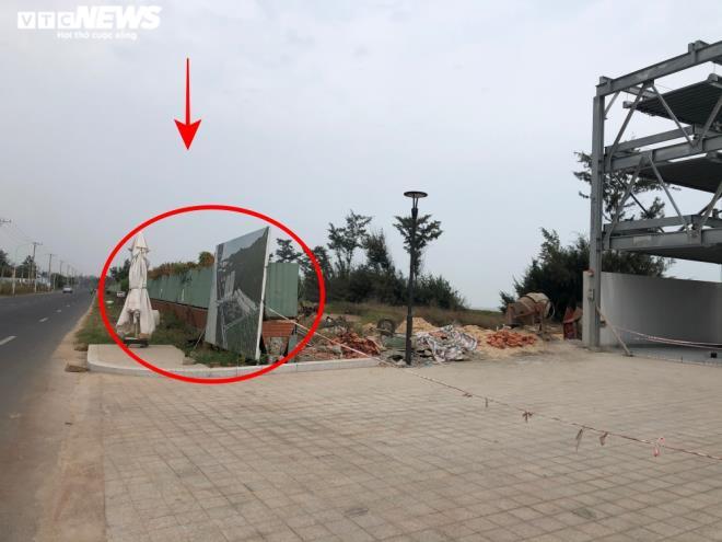 Lan Rừng Resort ngang nhiên lấn biển, đổ bê tông chặn đường ra biển của ngư dân - 6
