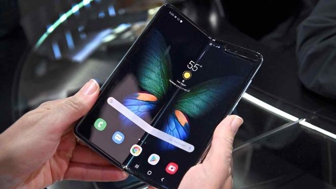 Smartphone gập 2 lần của Samsung sẽ thế nào? - 1