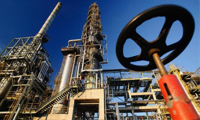 Tổ chức các nước xuất khẩu dầu mỏ và các đối tác (OPEC+) đã thống nhất tăng dần hạn ngạch sản xuất dầu thô trong 3 tháng tới. Ảnh: Getty.