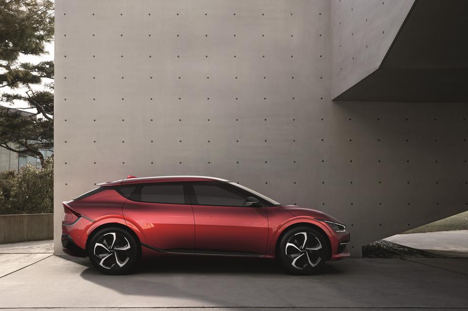 Huyndai tung xe điện Kia EV6 ra thị trường – câu trả lời của người Hàn với xe điện Mỹ, Trung Quốc - Ảnh 2.