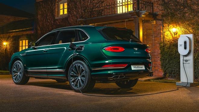 Ngắm SUV siêu sang Bentley Bentayga xanh ngọc lục bảo độc nhất vô nhị - 3