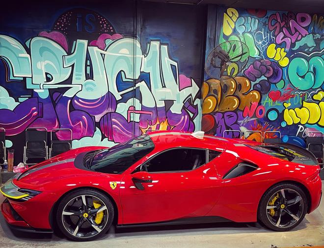 Ferrari SF90 Stradale của nữ đại gia 9X biến thành bản độc sau khi qua tay showroom, dân tình chờ đón siêu phẩm LaFerrari mới - Ảnh 2.