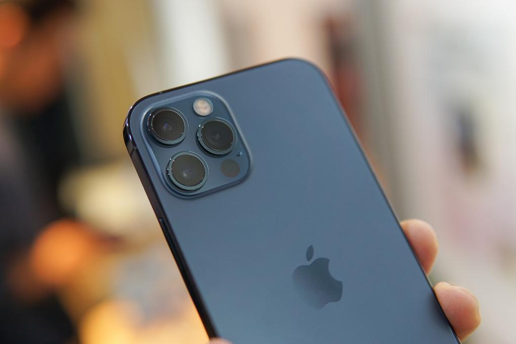 iPhone 12 Pro. Ảnh: Lưu Quý.