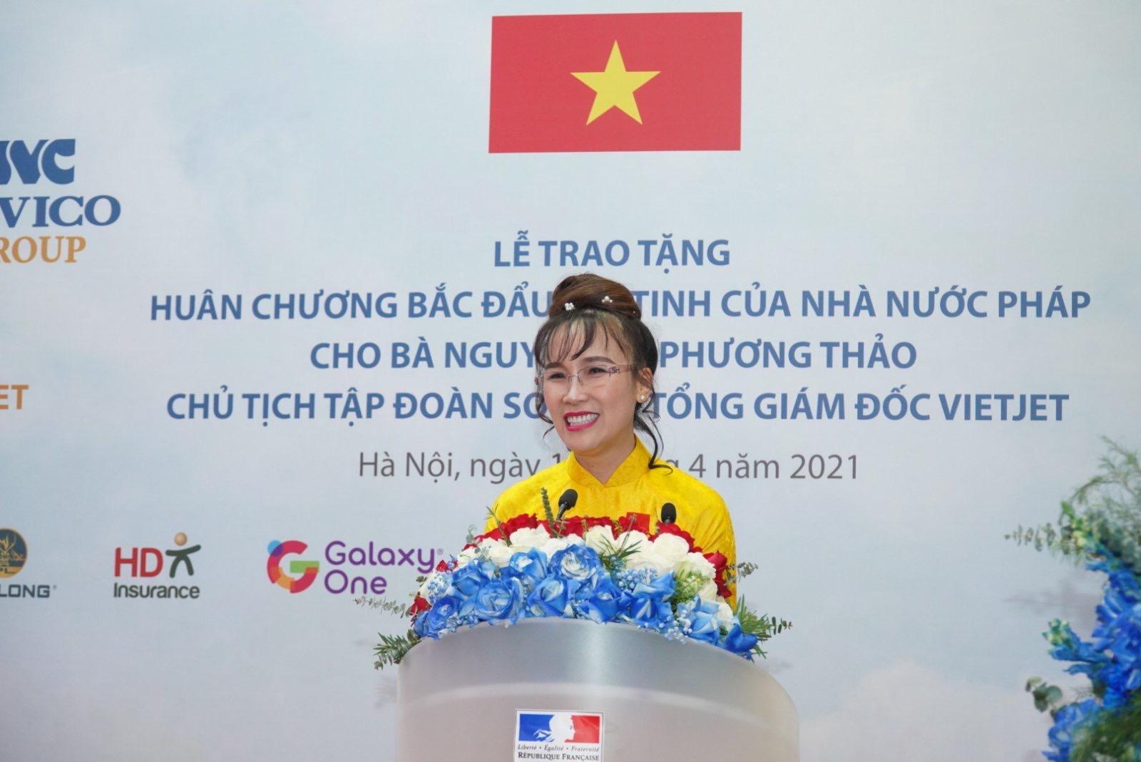 Bà Nguyễn Thị Phương Thảo phát biểu cảm ơn trân trọng khi đón nhận Huân chương Bắc đẩu Bội tinh.