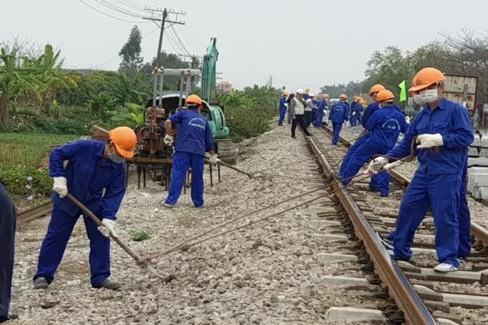 Hơn 11.000 lao động bị nợ lương, Tổng công ty Đường sắt gửi kiến nghị khẩn kêu cứu Thủ tướng - Ảnh 1.