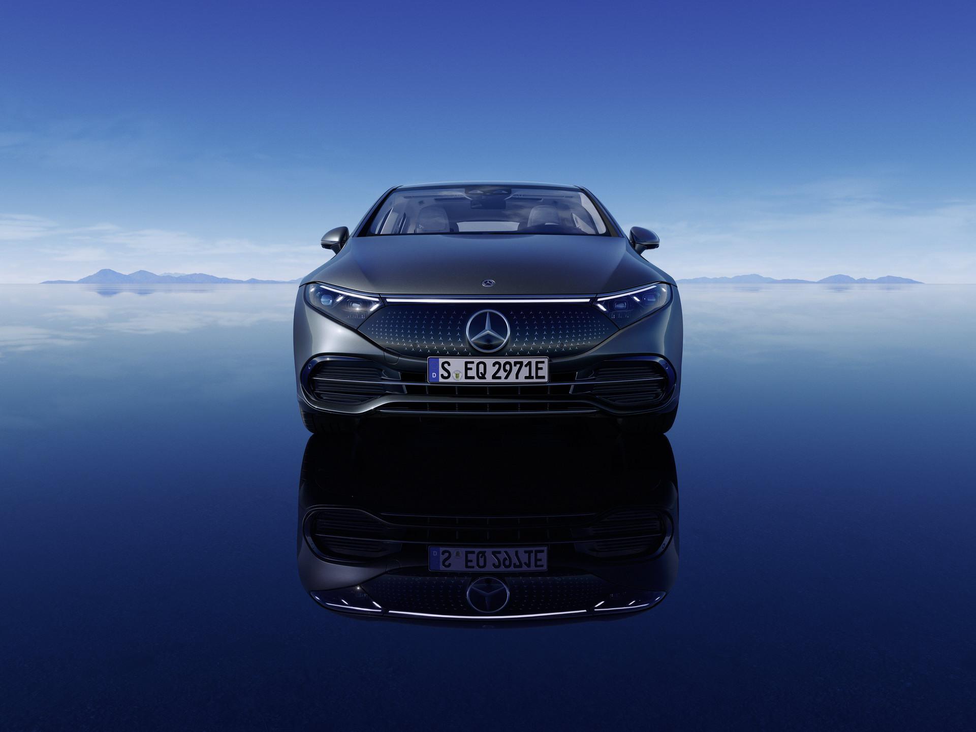 Siêu phẩm xe điện Mercedes-Benz EQS chính thức ra mắt: Tầm hoạt động 770 km, hiện đại như robot - Ảnh 9.