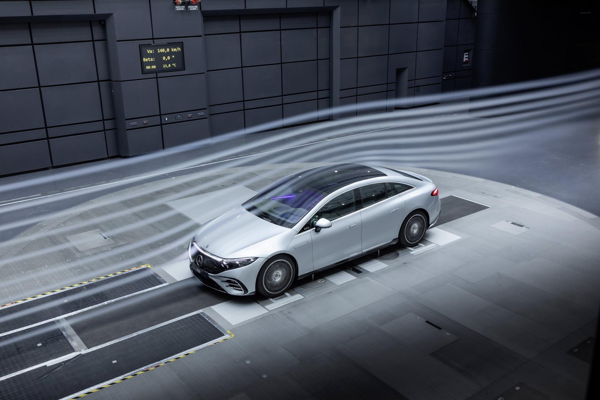 Siêu phẩm xe điện Mercedes-Benz EQS chính thức ra mắt: Tầm hoạt động 770 km, hiện đại như robot - Ảnh 7.