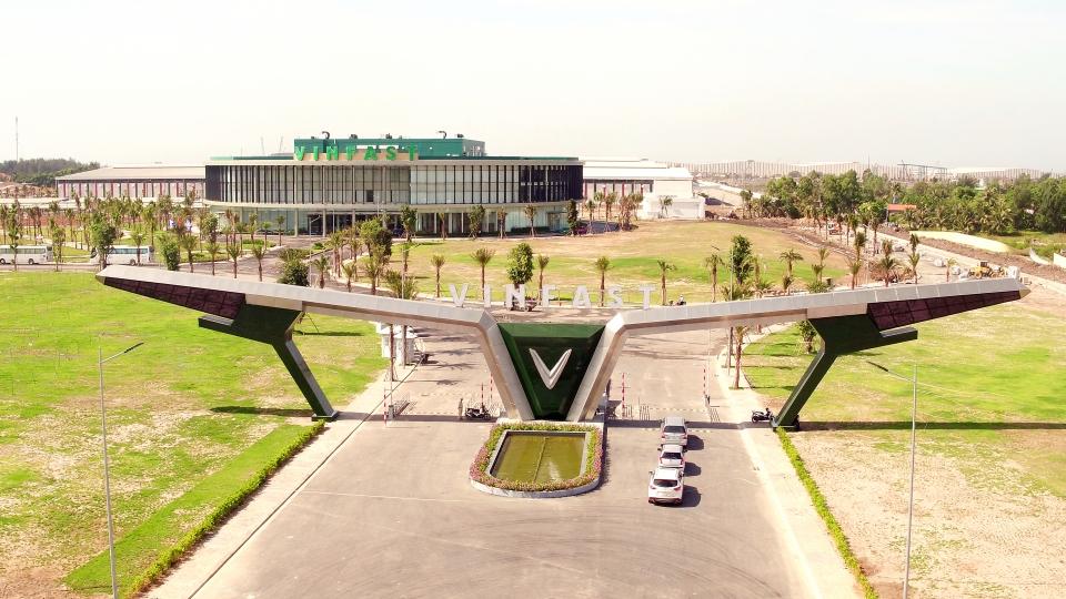 Vingroup muốn làm Tổ hợp nhà máy sản xuất ô tô 2.000ha tại Hà Tĩnh - Ảnh 1.