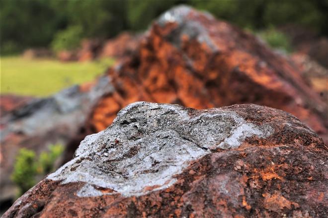 Mỏ sắt lớn nhất Đông Nam Á ở Việt Nam bất động gần 10 năm - 11