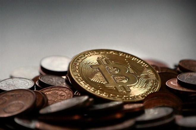 Giá Bitcoin hôm nay 29/4: Bitcoin gục ngã trước ngưỡng 55.000 USD - 1
