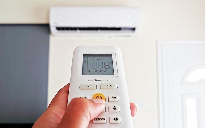 Điều hòa giá rẻ ngốn 4.000 đồng tiền điện/đêm và loạt máy lạnh cực tiết kiệm điện - Ảnh 1.
