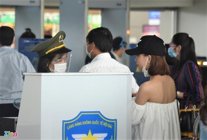 Cục Hàng không yêu cầu hoàn trả phí sân bay nếu khách hủy vé - 1