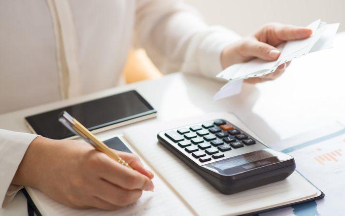 4 tư duy tiêu tiền tai hại khiến bạn luôn nghèo, khó phất lên được - Ảnh 1.