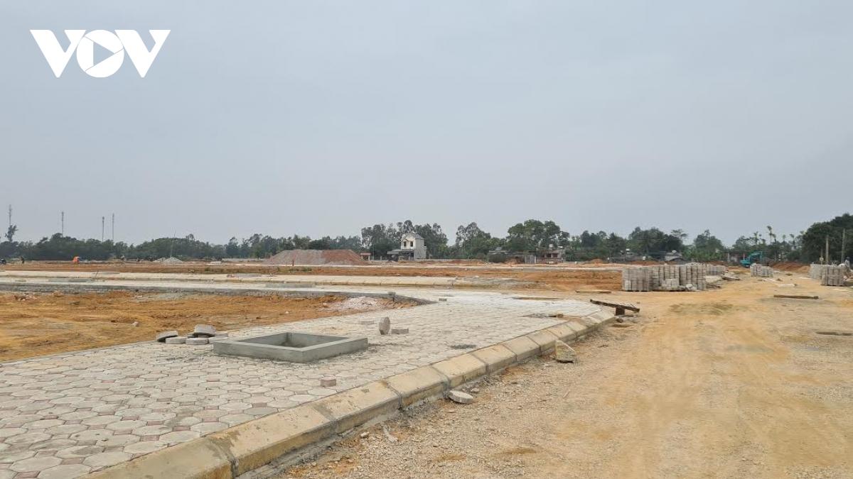 Đất nền khu vực lân cận Hà Nội giảm giá, thanh khoản kém - Ảnh 2.