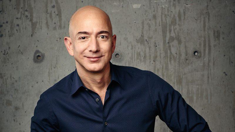 Người giàu nhất thế giới Jeff Bezos bay lên vũ trụ - Hàng loạt kỷ lục cũ bị phá: Giàu nhất - Già nhất - Trẻ nhất - Ảnh 1.