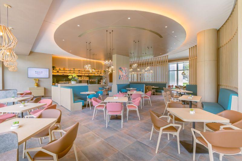 Sốt bất động sản kiểu mới ở Trung Quốc: Người già sẵn sàng chi hơn 200.000 USD để thuê căn hộ trong khu dưỡng lão - Ảnh 2.