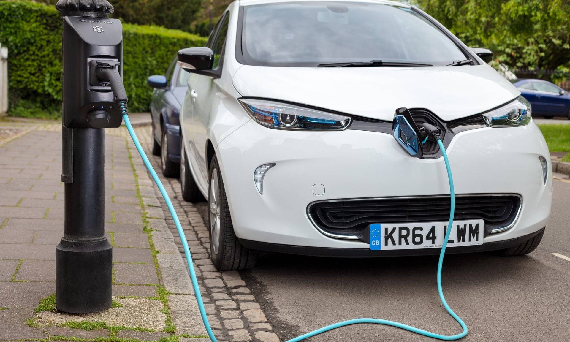 Ô tô điện là nạn nhân tiếp theo của cơn sốt giá hàng hoá - Ảnh 2.