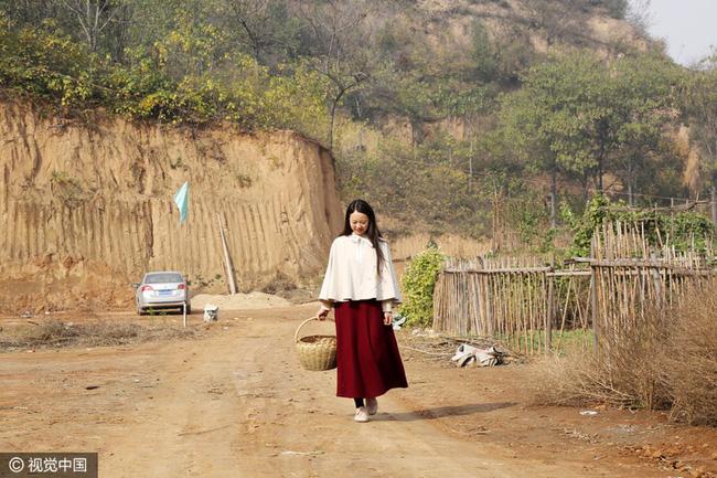 Giới trẻ Trung Quốc vỡ mộng khi bỏ phố về quê: Bị xem thường vì thất bại nơi thành thị, không tránh được ánh mắt soi mói của láng giềng - Ảnh 2.