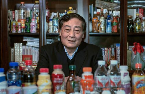 'Vua đồ uống' Tông Khánh Hậu: Nửa đời nghèo khó, khởi nghiệp năm 42 tuổi, 3 lần trở thành người giàu nhất Trung Quốc nhờ làm 1 điều duy nhất suốt 32 năm qua - Ảnh 2.