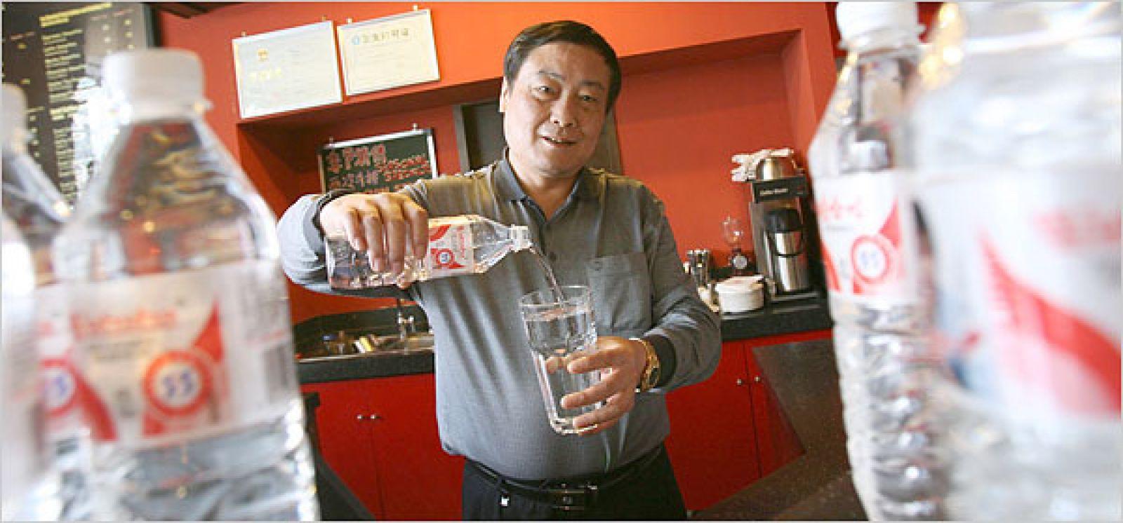 'Vua đồ uống' Tông Khánh Hậu: Nửa đời nghèo khó, khởi nghiệp năm 42 tuổi, 3 lần trở thành người giàu nhất Trung Quốc nhờ làm 1 điều duy nhất suốt 32 năm qua - Ảnh 4.