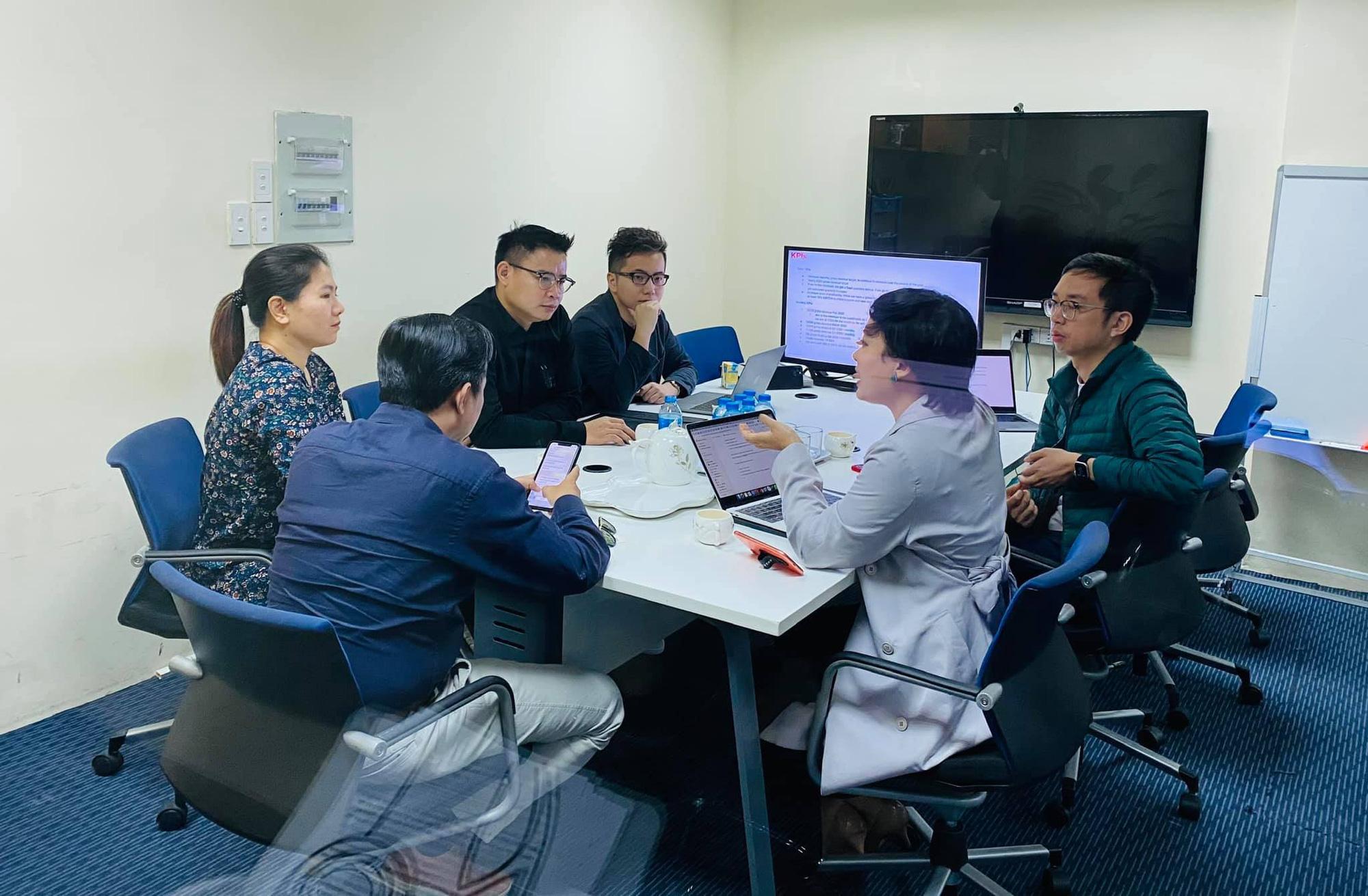 Sau Shark Bình và quỹ đầu tư Hàn Quốc, Startups bán áo thun online cho nam giới Coolmate tiếp tục nhận vốn từ quỹ VIC Partners - Ảnh 1.