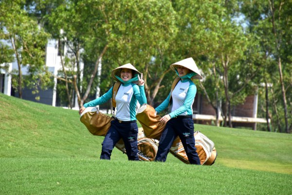 Việt Nam: Nghề két-đi trên sân golf thu nhập bao nhiêu? - Ảnh 1.
