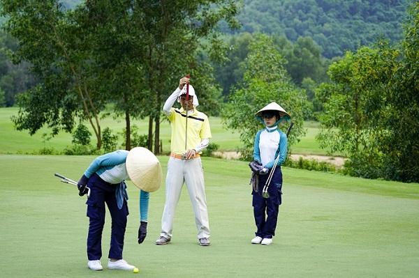 Việt Nam: Nghề két-đi trên sân golf thu nhập bao nhiêu? - Ảnh 2.